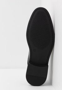 New Look - SHEEN OXFORD  - Smart lace-ups - black - 4