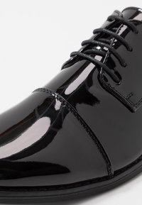 New Look - SHEEN OXFORD  - Smart lace-ups - black - 5