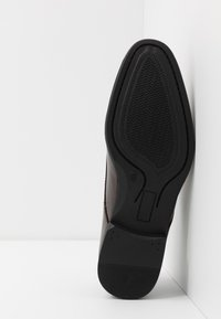 New Look - DANNY PLAN FORMAL - Smart lace-ups - dark brown - 4