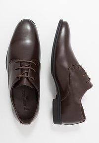 New Look - DANNY PLAN FORMAL - Smart lace-ups - dark brown - 1