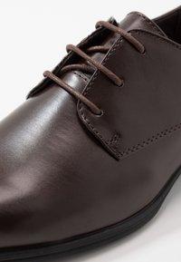 New Look - DANNY PLAN FORMAL - Smart lace-ups - dark brown - 5