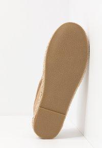 New Look - STONE CORNISH SHOE - Náuticos - cream - 4