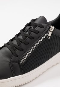 New Look - ASO KIRK ZIP  - Trainers - black - 5