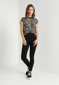 New Look - PONTE - Leggings - Trousers - black - 1