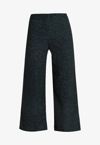 New Look - DARCY ANIMAL CROP - Pantalon classique - green - 3