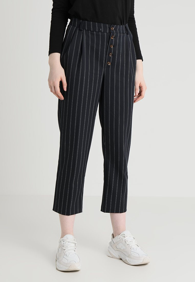 New Look - PINSTRIPE BUTTON FRONT TAPERED - Pantalon classique - blue