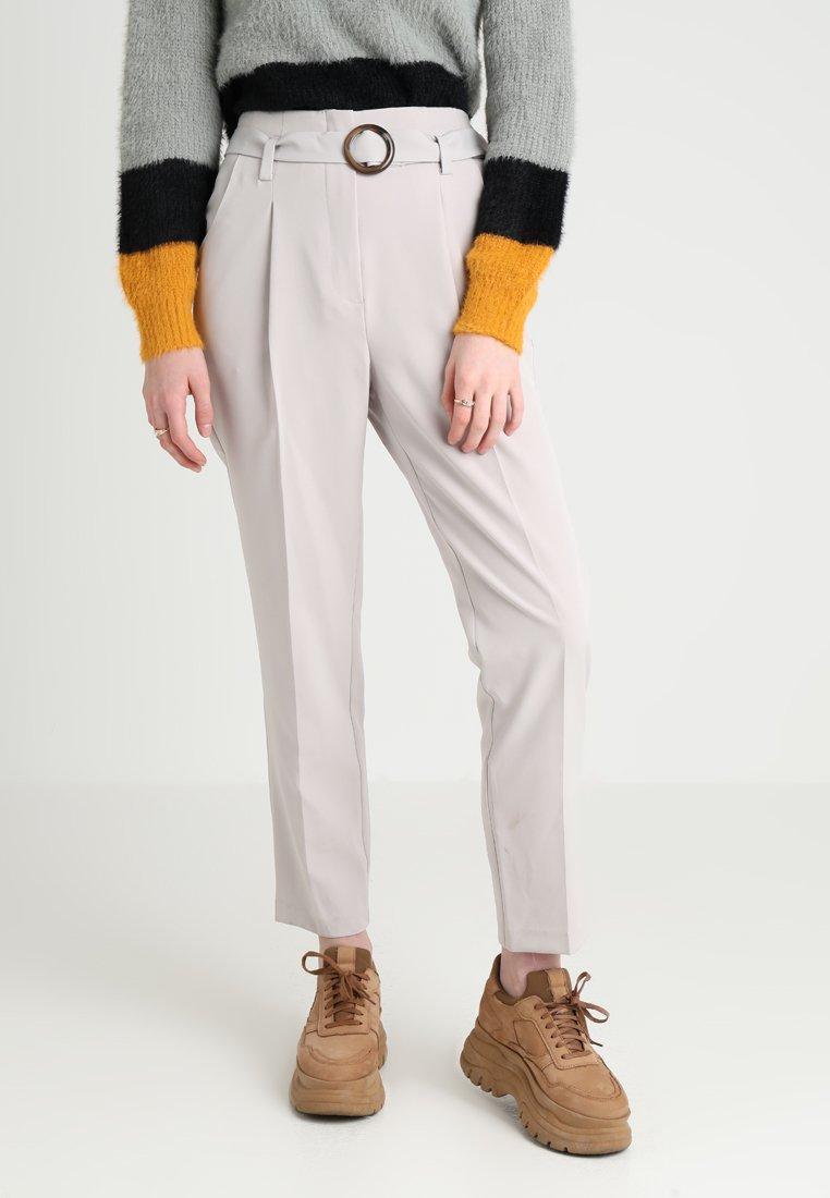 New Look - BUCKLE OLIVIA TROUSER - Kalhoty - grey