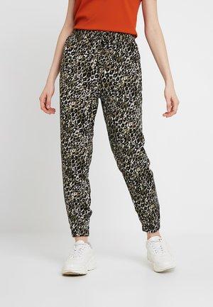 AMANDA CUFF - Spodnie materiałowe - olive