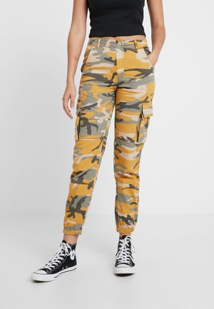 CAMO UTILITY TROUSER RADAR - Bukse - yellow