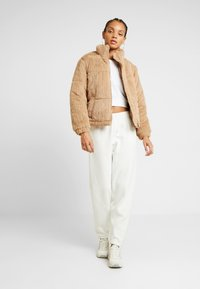 New Look - CUFFED JOGGER - Pantalon de survêtement - cream - 1