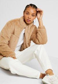 New Look - CUFFED JOGGER - Pantalon de survêtement - cream - 3