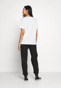 New Look - CUFFED JOGGER - Spodnie treningowe - black - 2