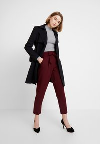 New Look - PAPERBAG VICKY TROUSER - Kangashousut - burgundy - 1
