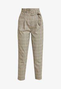 New Look - LOUIS CHECK BUCKLE PBAG - Spodnie materiałowe - brown - 4