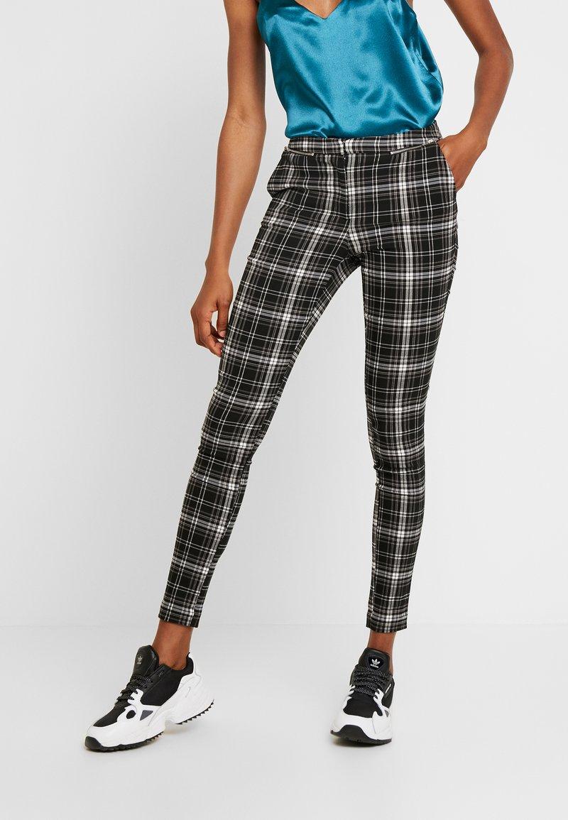 New Look - ZIP KENDAL CHECK BENGALINE - Broek - black