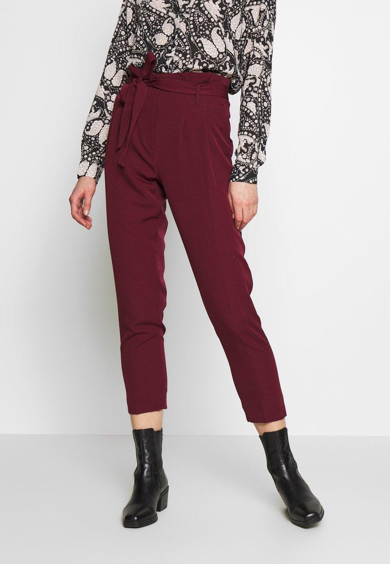 New Look - VICKY PAPERBAG TROUSER - Chino - dark burgundy