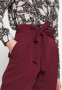 New Look - VICKY PAPERBAG TROUSER - Chino - dark burgundy - 4