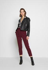 New Look - VICKY PAPERBAG TROUSER - Chino - dark burgundy - 1