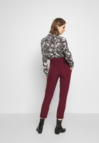 New Look - VICKY PAPERBAG TROUSER - Chino - dark burgundy - 2