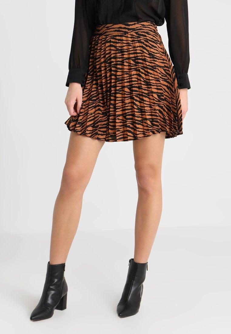 New Look - ZEBRA PLEATED MINI SKIRT - Jupe trapèze - brown