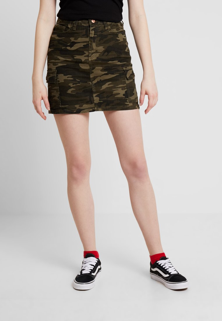 New Look - CARGO POCKET CAMO MOM SKIRT - Farkkuhame - khaki