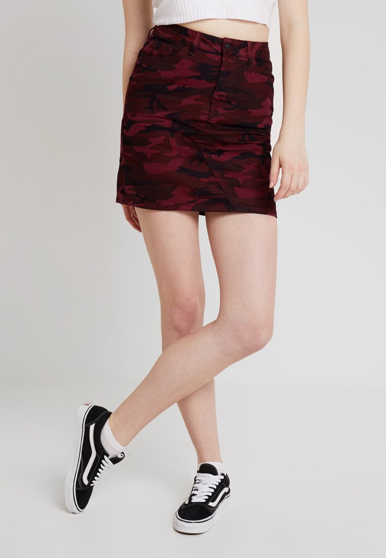 New Look - CAMO SKIRT EVA - Jeansrock - red