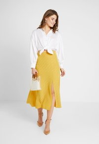 New Look - WATFORD JACQUARD SPLIT FRONT MIDI - Maxi skirt - dark yellow - 1