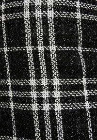 New Look - GRACIE GLITTER CHECK - Minisukně - black - 5