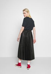 New Look - PLEATED MIDI - Jupe trapèze - black - 2