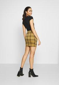 New Look - AMARI CHECK TUBE - Mini skirt - yellow - 2