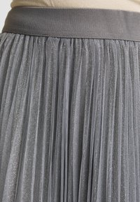 New Look - GLITTER PLEATED OVERLAY SKIRT - A-linjainen hame - mid grey - 5