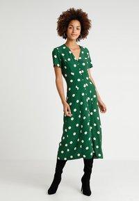 New Look - GEMMA SPOT MIDI DRESS - Maxi dress - green - 0