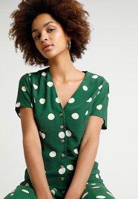 New Look - GEMMA SPOT MIDI DRESS - Maxi dress - green - 3