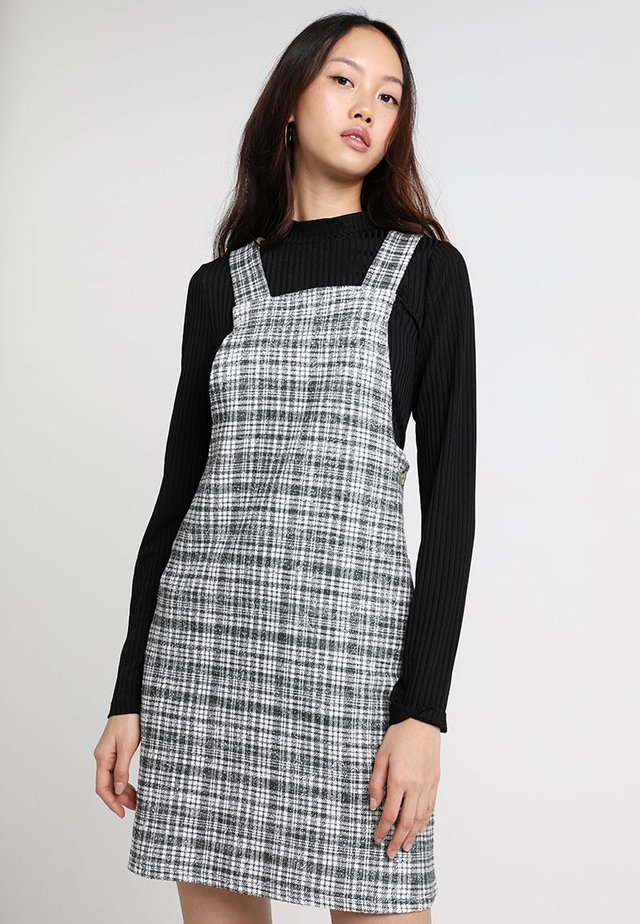 TEXTURED CHECK PINNY - Gebreide jurk - dark khaki