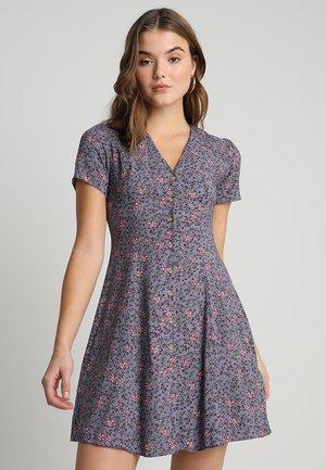 EXCLUSIVE BUTTON THROUGH TEA DRESS - Shirt dress - purple