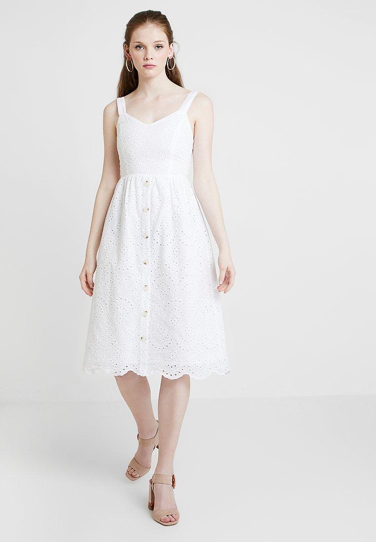 New Look - BRODERIE FRONT MIDI - Denní šaty - white