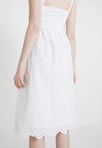 New Look - BRODERIE FRONT MIDI - Vestido informal - white - 3