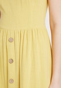 New Look - BUTTON FRONT - Denní šaty - yellow spice - 5