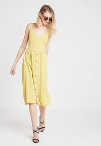 New Look - BUTTON FRONT - Denní šaty - yellow spice - 1