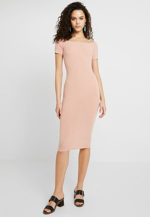 BARDOT MIDI BODYCONP - Shift dress - blush