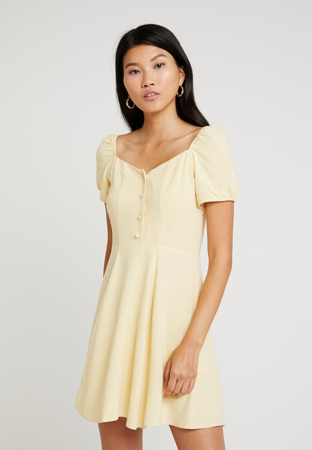 BERMUDA PRAIRE DRESS - Blousejurk - pineapple yellow
