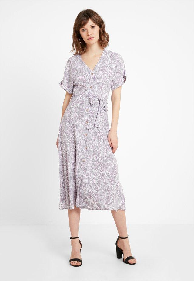 PRINT THRU MIDI DRESS - Blusenkleid - grey