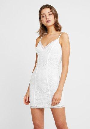 GO BODYCON DRESS - Juhlamekko - white