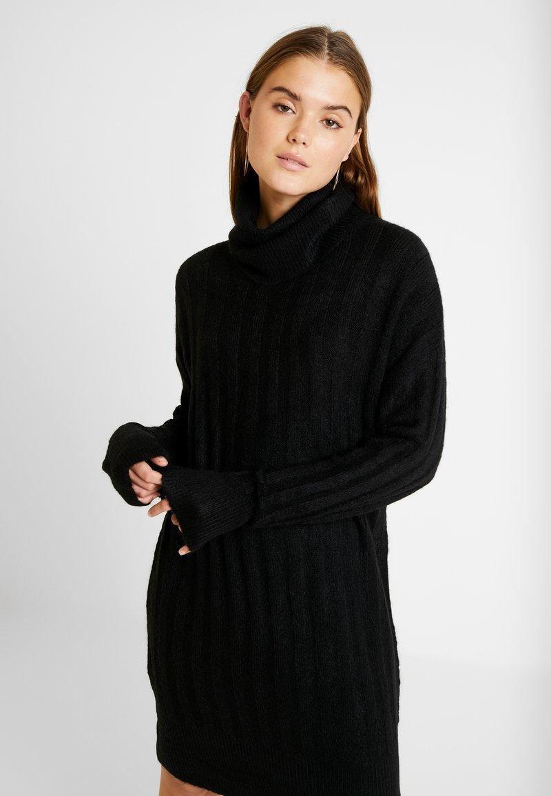 New Look - WIDE ROLL NECK DRESS - Pletené šaty - black