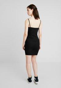 New Look - SMARTIES BUTTON BODYCON - Denimové šaty - black - 2
