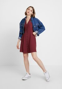 New Look - PLAIN THRU TEA DRESS - Skjortekjole - dark burgundy - 1