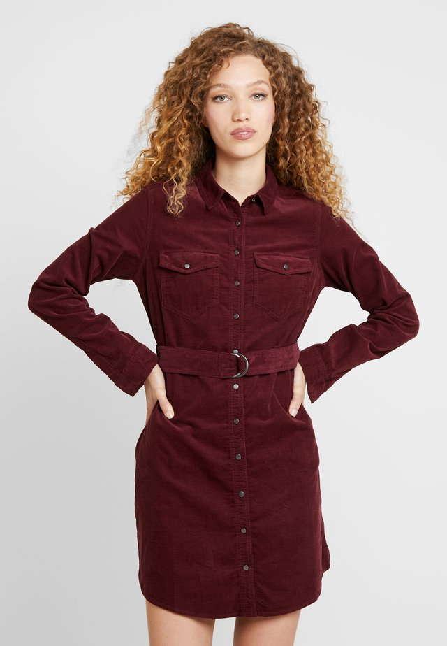 BELTED DRESS - Korte jurk - burgundy