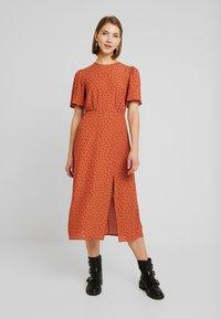 New Look - CAROL SPOT SPLIT - Day dress - brown pattern - 0