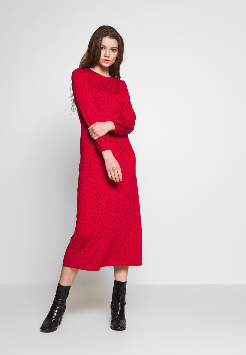 New Look - CAROL SPOT EMPIRE WAIST MIDI - Jersey dress - red