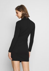New Look - WRAP FRONT BUCKLE MINI - Pouzdrové šaty - black - 2